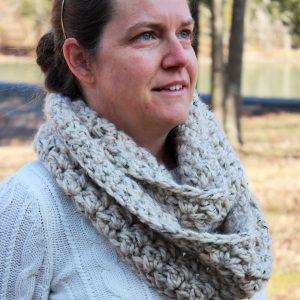 crochet pattern womens scarf little monkeys designs emmas chunky scarf side view