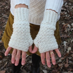 merino wool fingerless gloves crochet pattern by Little Monkeys Designs