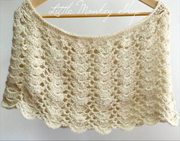 Lacy Scallops Shawl crochet pattern by Little Monkeys Designs - crochet shawl pattern