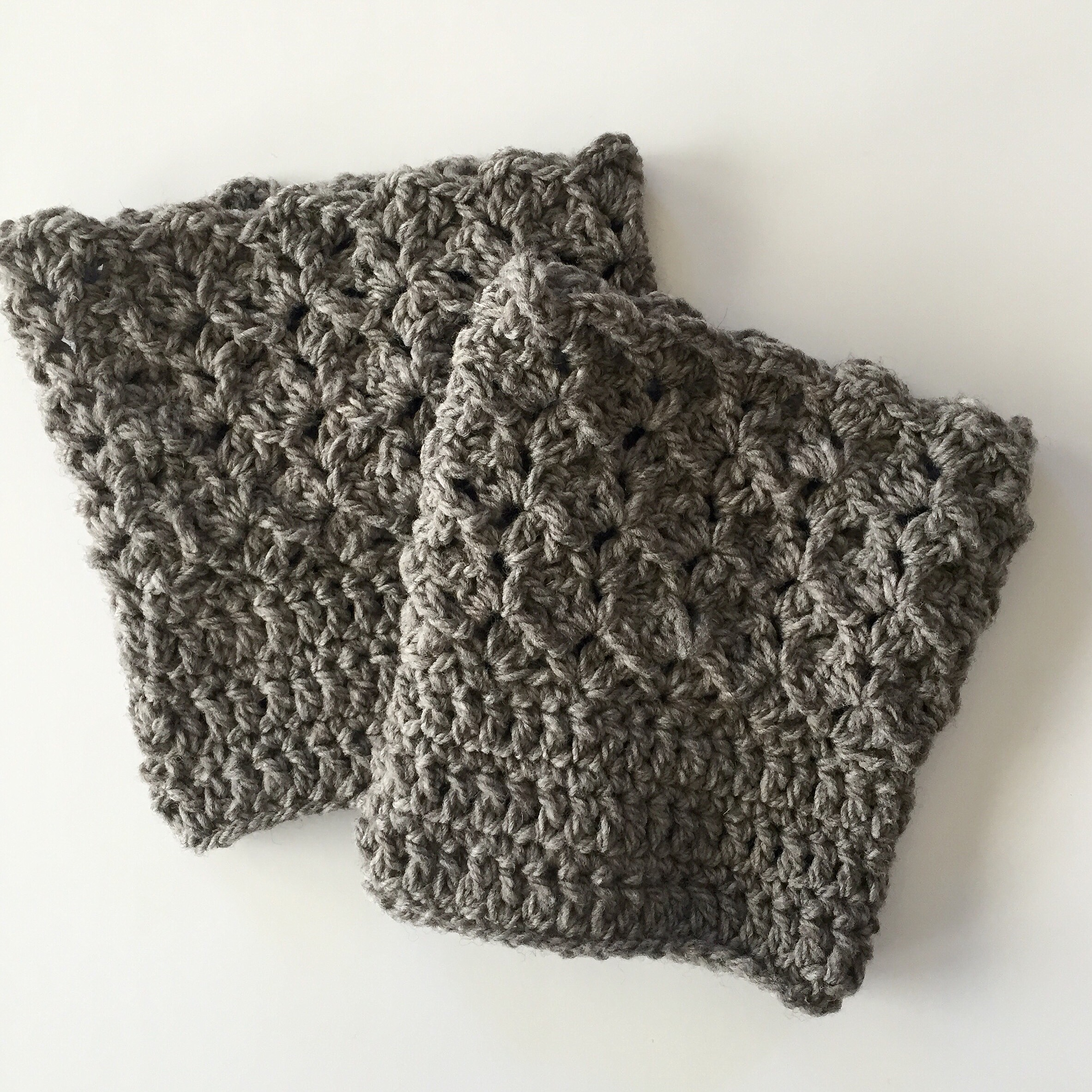 Queen Lace Boot Cuffs in grey wool