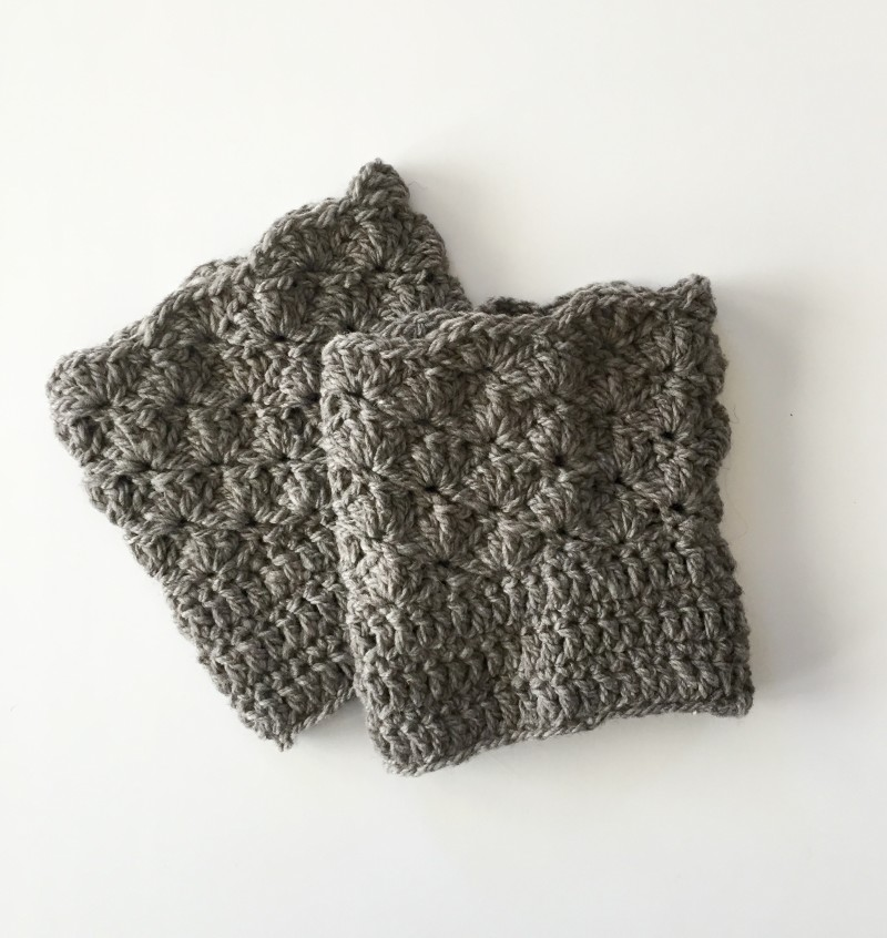 Shells Boot Cuffs in grey merino wool