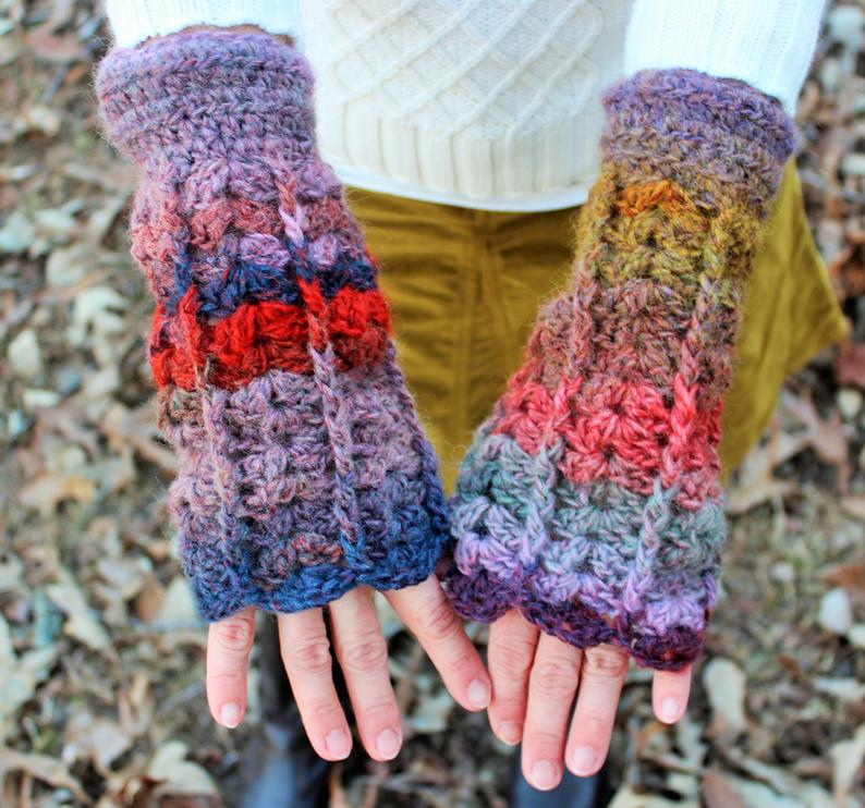 Shells Fingerless Gloves