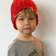 cades ribbed hat in red merino wool