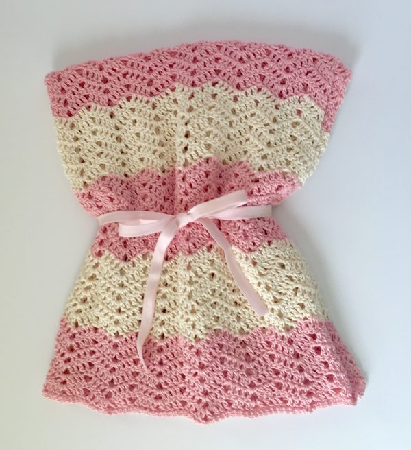 Peek a Boo Baby Blanket crochet pattern by Little Monkeys Designs
