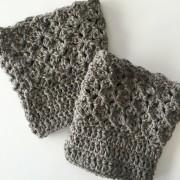 quuens lace boot cuffs in wool