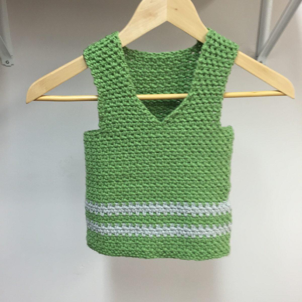 sweet pea vest crochet pattern in green