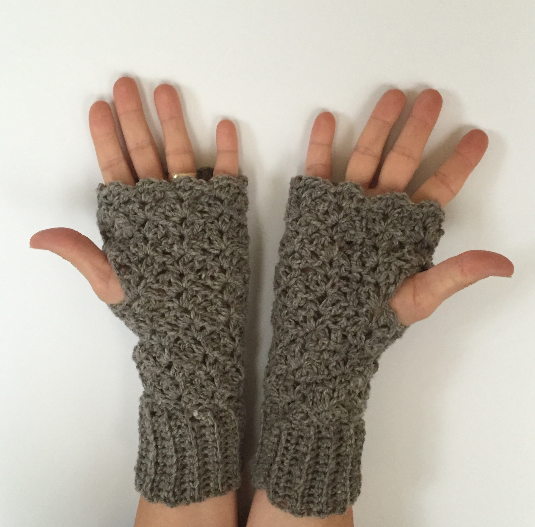Crocheting Gloves Fingerless : Crochet Pattern - Lacy Fingerless Gloves - Little Monkeys Designs