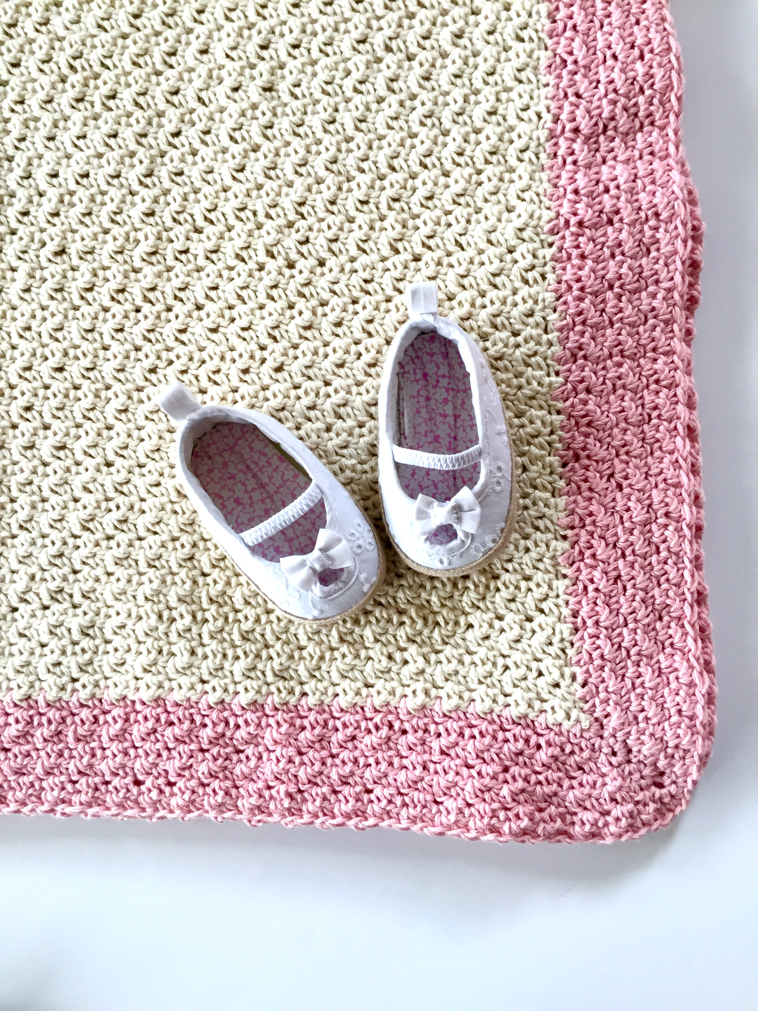 baby blanket crochet pattern by little monkeys design