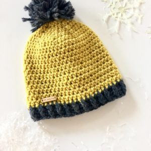 chunky-hello-winter-hat-preschool-size-by-little-monkeys-design
