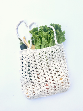 Farmers Market bag crochet pattern kit by Little Monkeys Design - designed with chunky organic cotton yarn