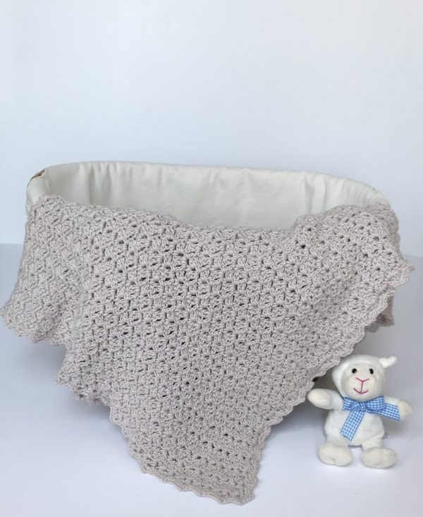 Oh, So Sweet baby blanket crochet pattern by Little Monkeys Design.