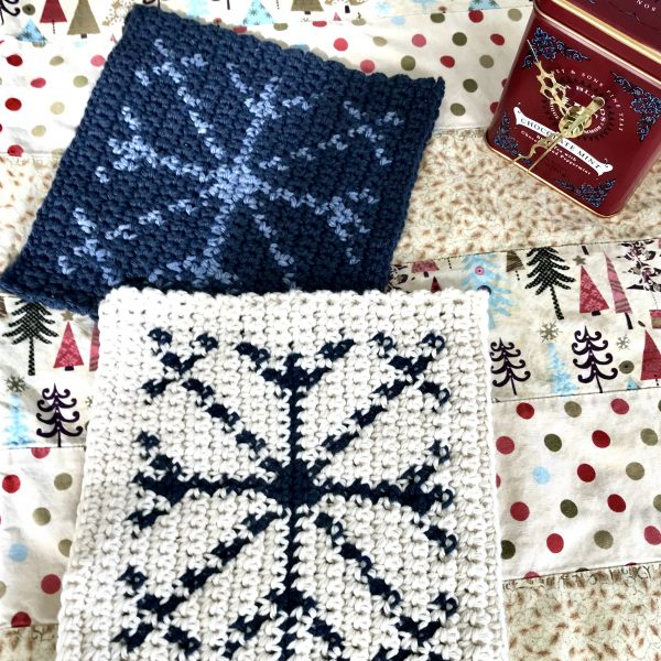 Snowflake Hot Pad crochet pattern - holiday decorations