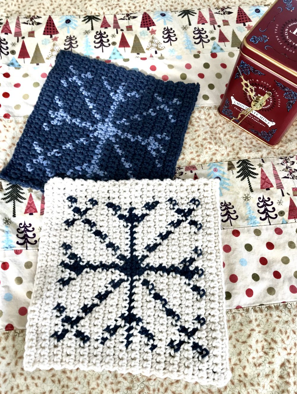Snowflake Hot Pad crochet pattern – holiday decorations