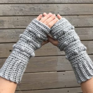 Snow Drifts Fingerless Gloves crochet pattern by Little Monkeys Designs - crochet pattern gloves