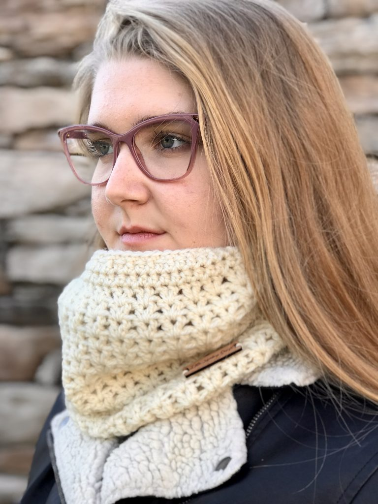 Stay Warm Cowl crochet pattern by Little Monkeys Designs - crochet cowl pattern