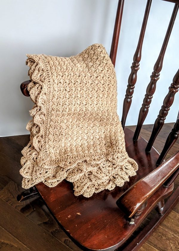 Precious Bundle Baby Blanket crochet pattern by Little Monkeys Designs