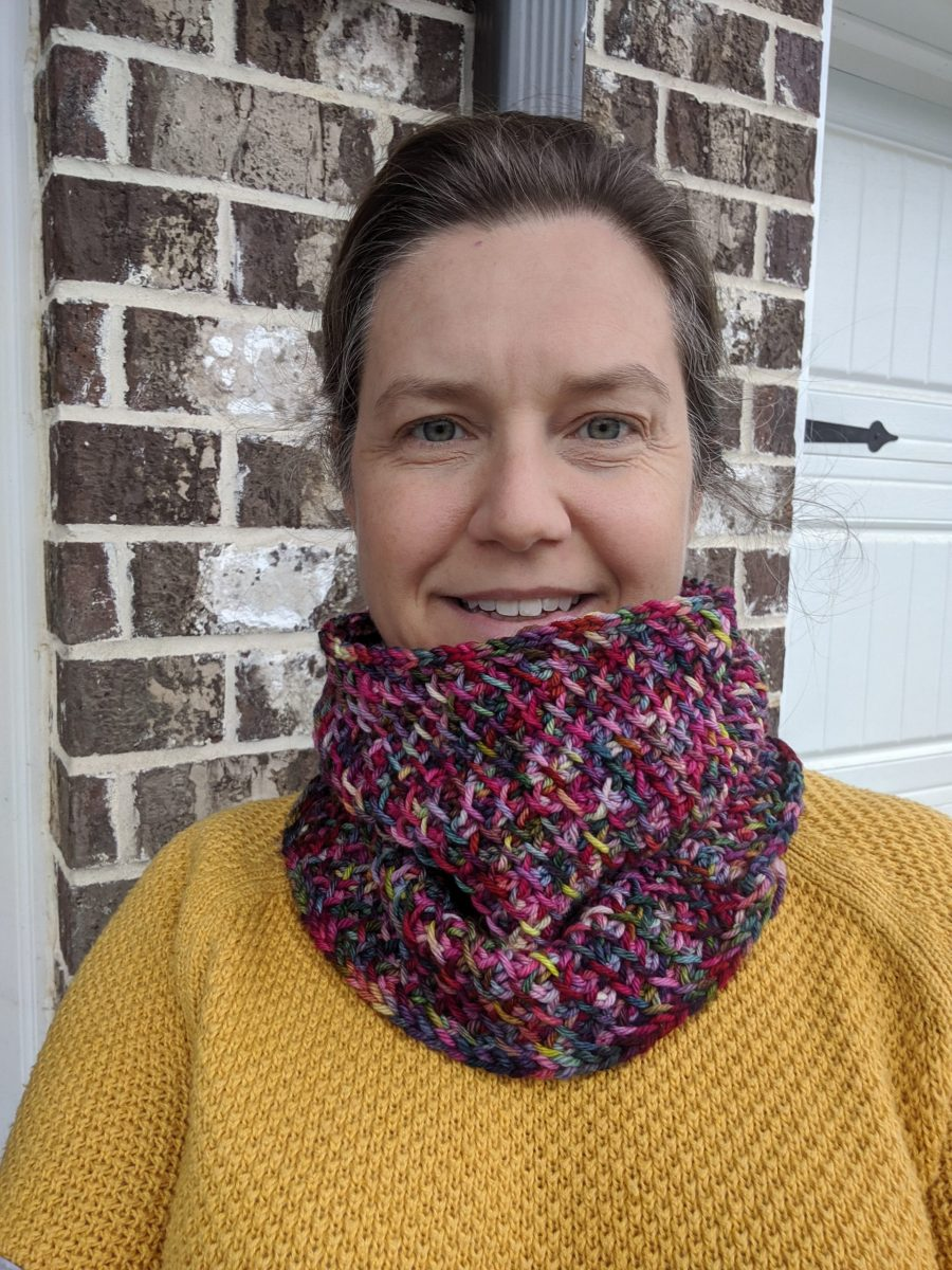 Very Merry Cowl crochet pattern by Little Monkeys Designs