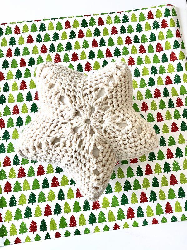 Star Throw Pillow crochet pattern by Little Monkeys Designs - star pillow crochet pattern