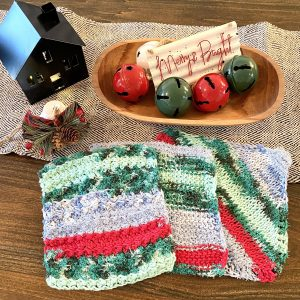 Holiday Dishcloth crochet pattern by Little Monkeys Designs - holiday kitchen decorations