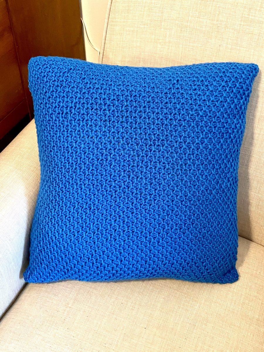 Farmhouse Throw Pillow crochet pattern by Little Monkeys Designs
